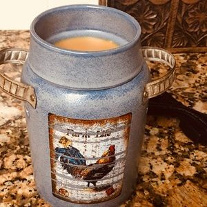 Awesome Scentsy kitchen warmer.